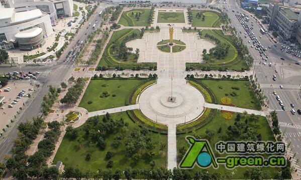 2016年,乌市还计划新建小游园及街旁绿地100个(块),绿道6条.